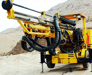 Hydraulic heavy machinery